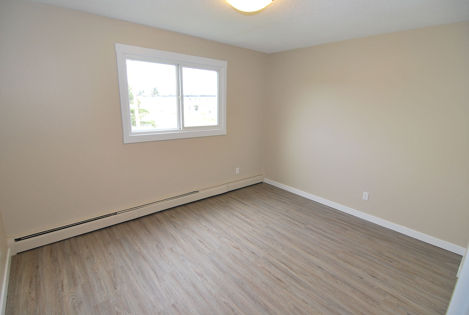 Edmonton Pet Friendly Apartment For Rent  Beverly Heights