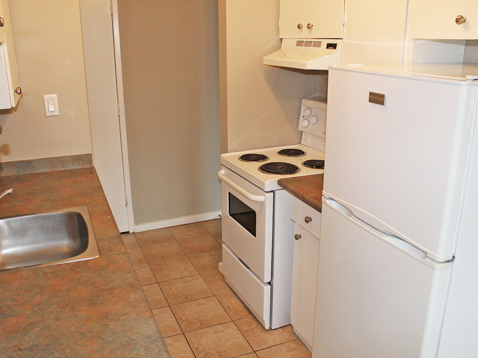 Edmonton Pet Friendly Apartment For Rent | Inglewood ...
