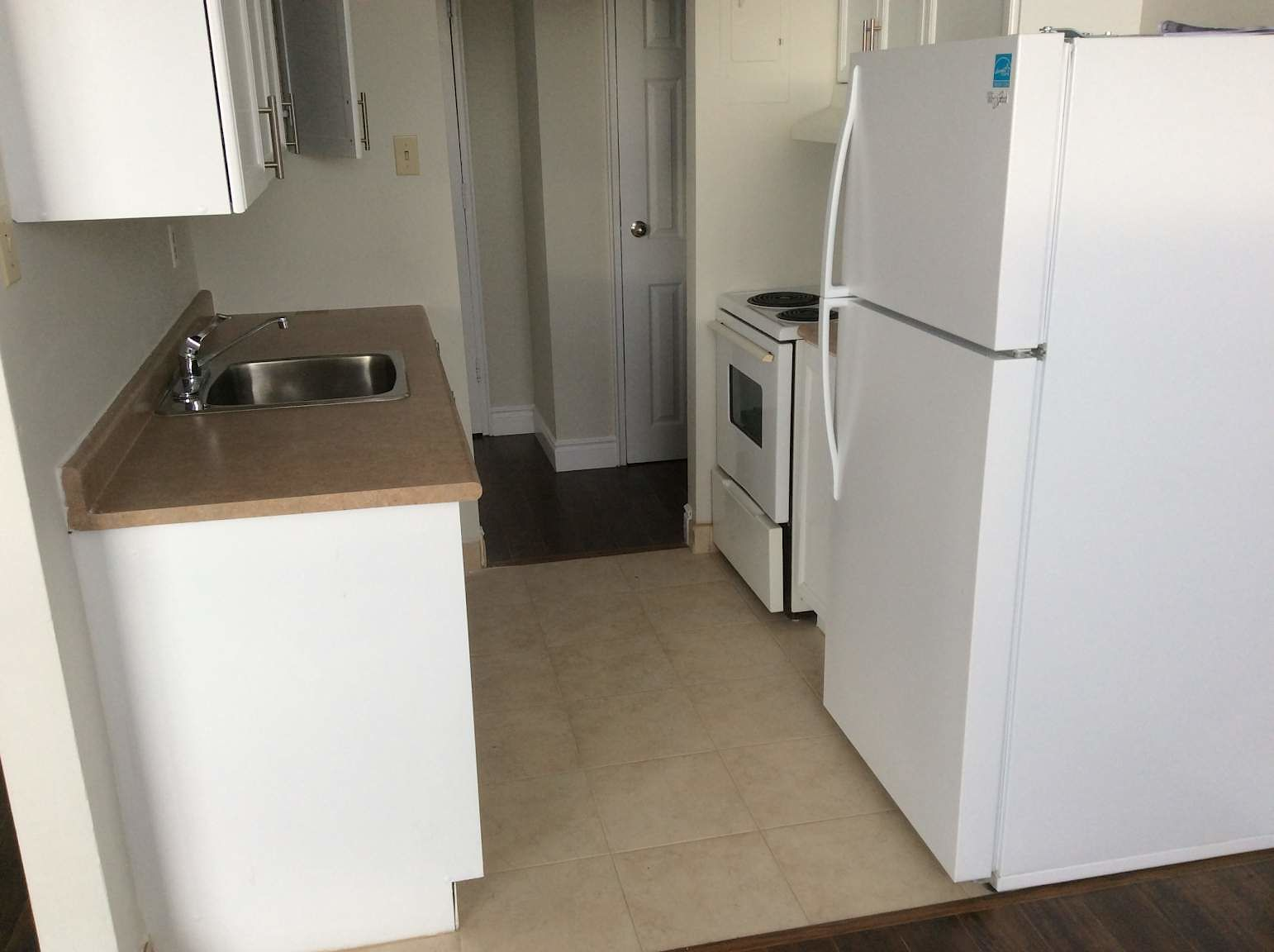 London Apartment For Rent | 135 Connaught | ID 321231 ...