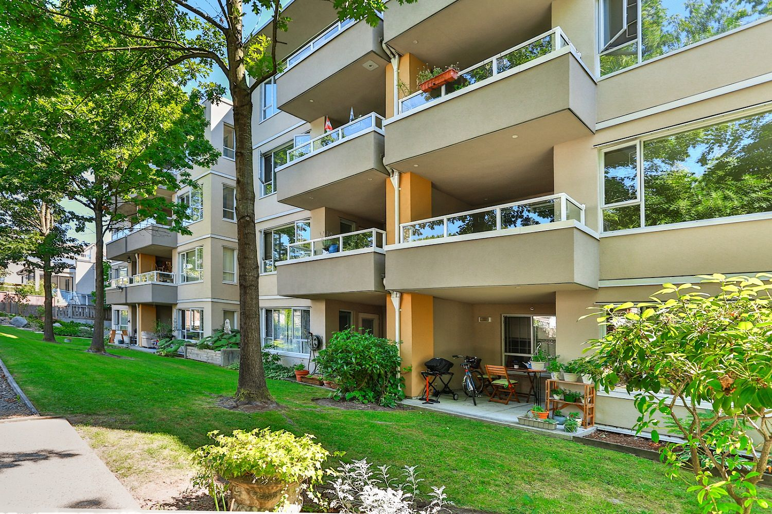 Vancouver Apartment For Rent | Kitsilano | Larchway ...
