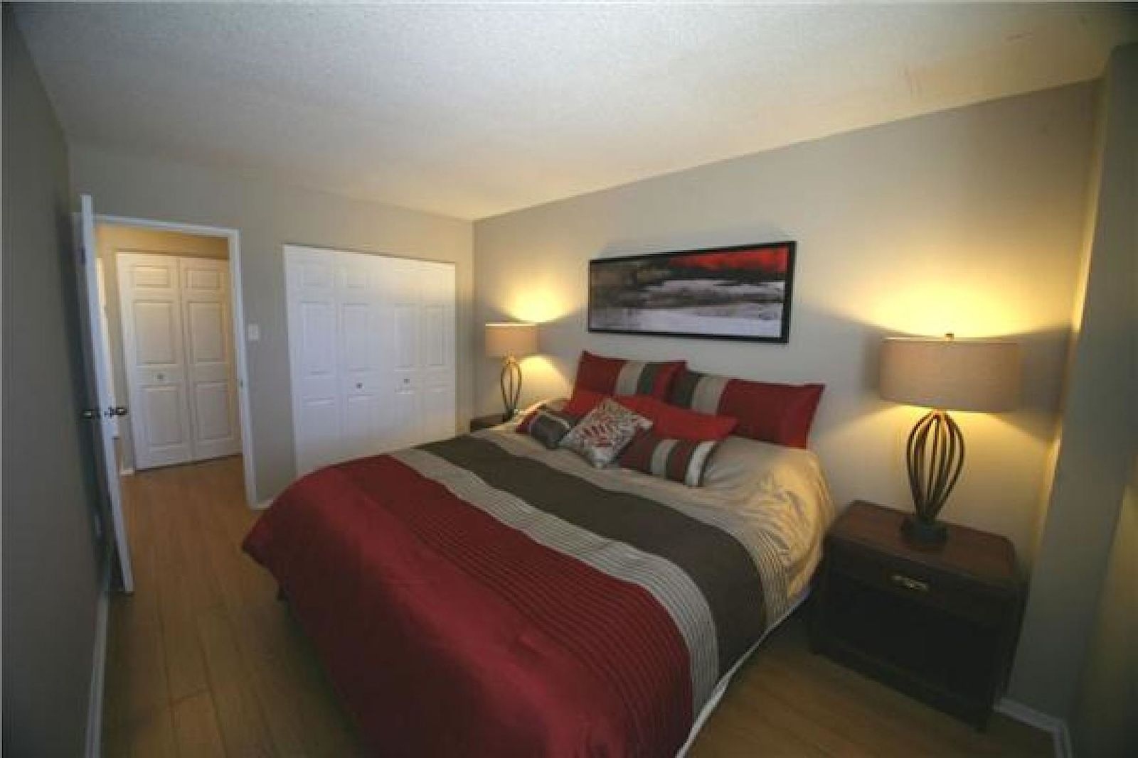 Ottawa Apartment For Rent Hawthorne Meadows Sheffield Glen St Laurent Towers Id 351338 Rentfaster Ca