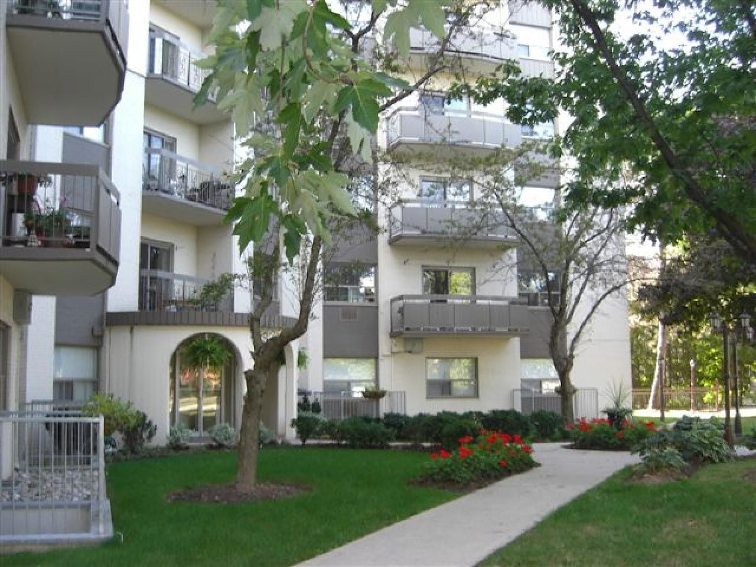 Oakville Pet Friendly Apartment For Rent | Bronte Estates ...